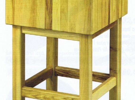 Ceppi in legno spessore cm.17 con sgabello. attrezzature ed